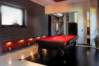Professional pool table installers in Miami