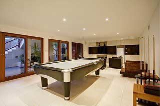 Trained pool table installers in Miami